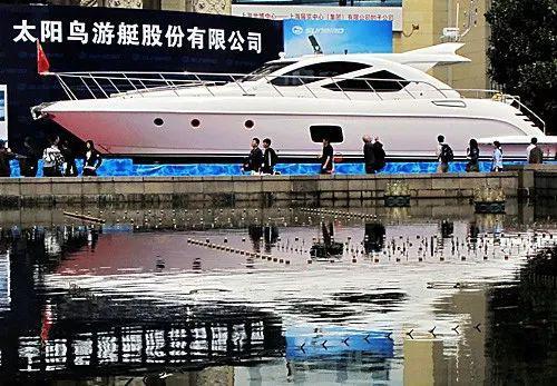 600多年后 中国正陈奕迅舌吻何韵诗在这个领域延续辉煌